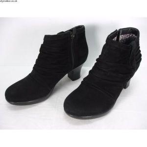 Dansko Black Suede Buffy Ankle Boots size 10 1/2